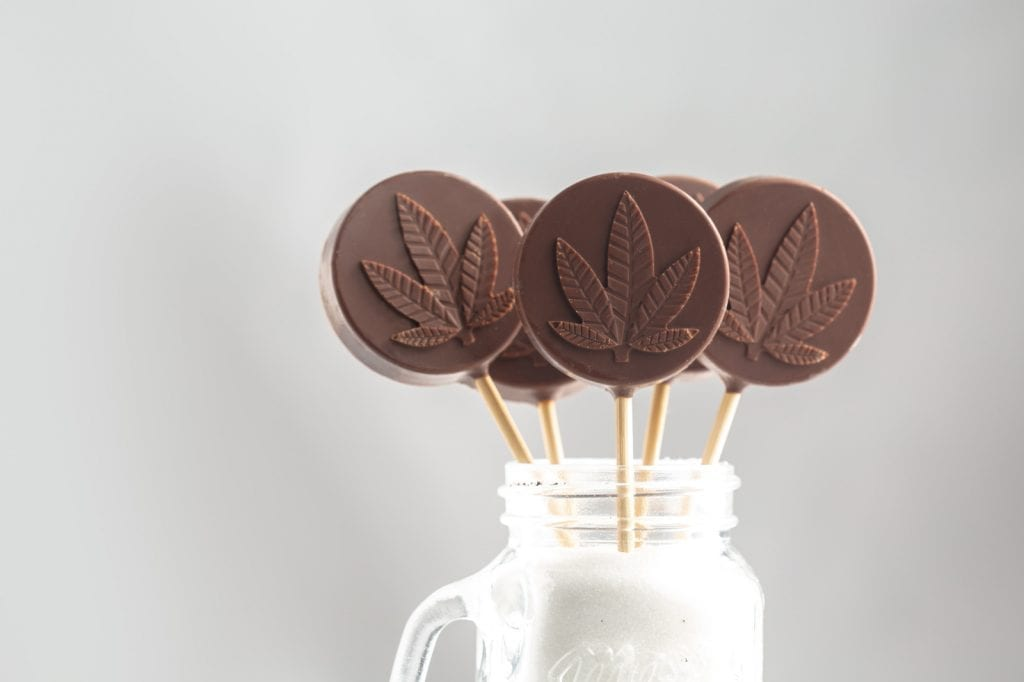 "4 edible weed lollipops in a cannabis-infused milkshake."" class = ""wp-image-13788"" />   <p> If you have a strong activated ingredient, you can make your recipes flexible. This is because you can always replace parts of an activated ingredient with parts of a regular ingredient. Suppose a recipe contains one serving and one cup of cannabis butter. You could always use a tablespoon of cannabis butter and 15 tablespoons of regular butter. However, if the same recipe results in ten servings, the maximum amount of THC per serving is limited. If you use cannabis butter in this situation, which is not very effective, this edible recipe will not be very effective. For this reason, we recommend people to design their activated ingredients so that they contain approximately 500 mg THC per cup. </p> <p> The following table shows that with 14 grams of cannabis, you can follow the recommended number of cups for infusion depending on the THC percentage of your cannabis. This table is intended to help you achieve the desired effectiveness for an activated ingredient, which is approximately 500 mg. </p> <table class="