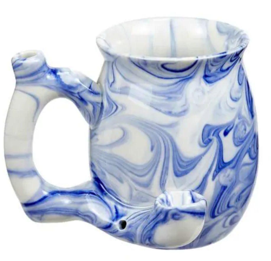 Ceramic mug discrete pipe